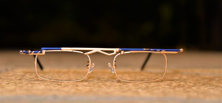 非対称な眼鏡