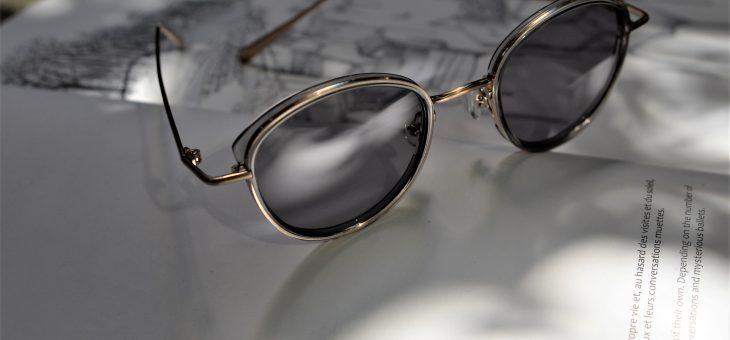 AKITTOのサングラス