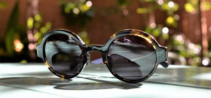 陽射しに、日常にサングラスを。